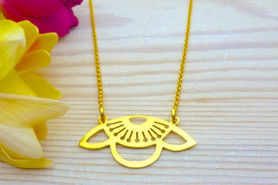 Hey, I found this really awesome Etsy listing at https://www.etsy.com/listing/270890434/flower-necklace-flower-pendant-floral