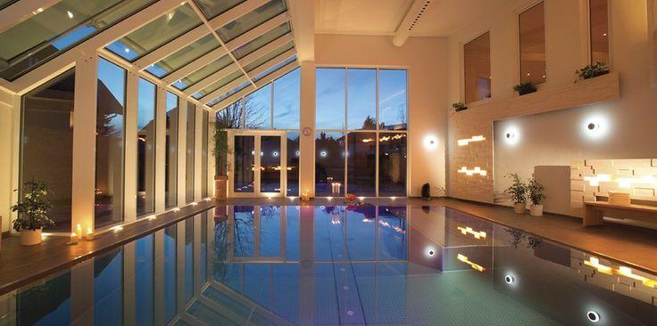 Wellness im Schwarzwald Hotel Alpenblick. Solepool mit Sprudelliegen und Unterwassermusik.