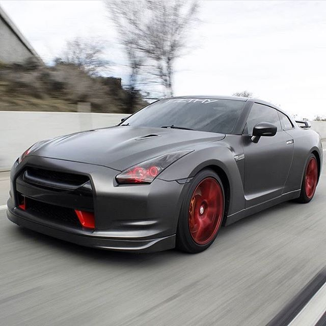 Tag a Friend / Rate 1-10 Owner: ? ___________ SALE! Premium Car Apparel & Accessories ‼️SHOP HERE ➡️ @GTR_Registry ⬅️ OR www.Speed-Registry.com We Ship Worldwide! New items every week ___________ #GTRRegistry #SpeedRegistry #PaulWalker #RememberTheBuster #GTR #tunanocrust #Nissan #GTR #Godzilla #R32 #R33 #R34 #R35 #Nismo #stancenation #canibeat #modifiedsociety #vindiesel #jdmgram #jdmculture #jdmlifestyle #fastandfurious