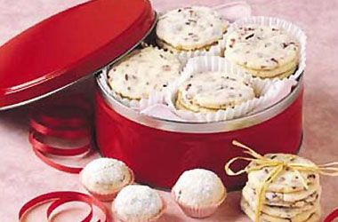 Make the swap from raisins to Craisins® Dried Cranberries in this recipe for Jack Frost Cookies. http://www.oceanspray.com/Recipes/Corporate/Desserts---Snacks/Jack-Frost-Cookies.aspx?courses=DessertsSnacks