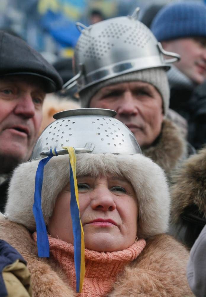 Former boxer plays peacemaker in Kiev protests
