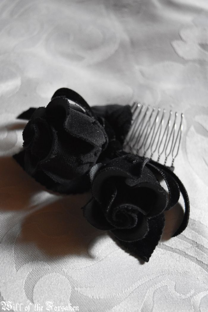 Moi meme Moitie headdress hair comb rose
