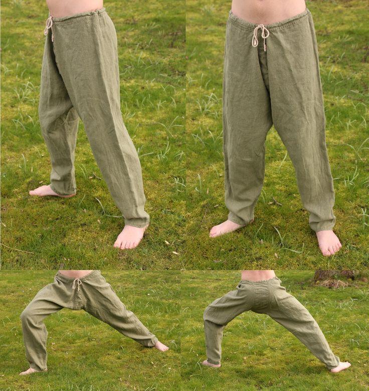 Simple linen viking pants. Hand sewn by Henrik Nordholm.  https://www.facebook.com/pages/Henrik-Nordholm/254634504677319: