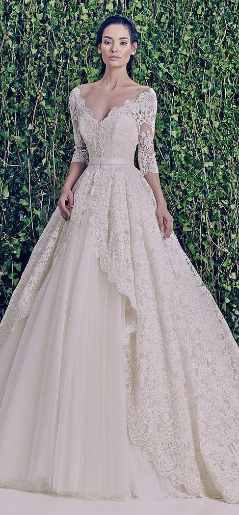 Beautiful Zuhair Murad lace wedding dress.