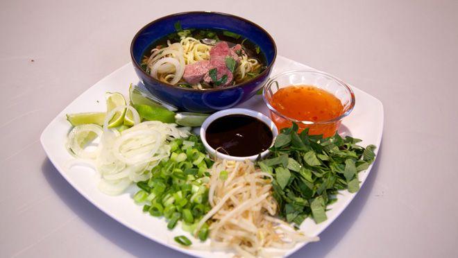 Pho - Vietnamese noedelsoep met rundvlees - recept | 24Kitchen