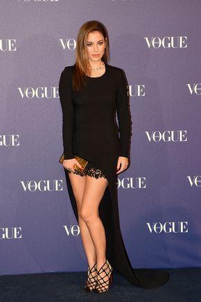 Blanca Suárez con look de Stella McCartney, zapatos de Christian Louboutin y clutch de Jimmy Choo en los Premios Vogue Joyas 2015
