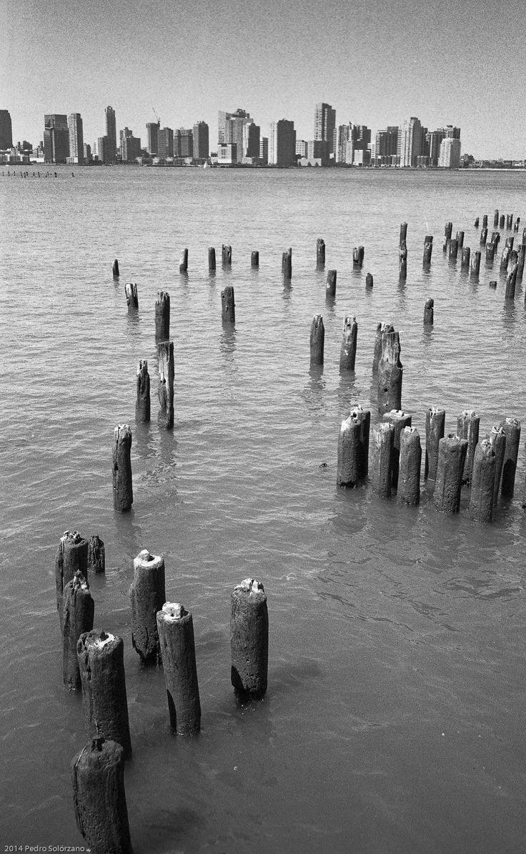Hudson River NY  Contax T3, Ilford HP5