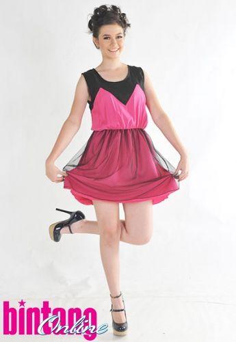 Yuki Kato - Tabloid Bintang Photoshot