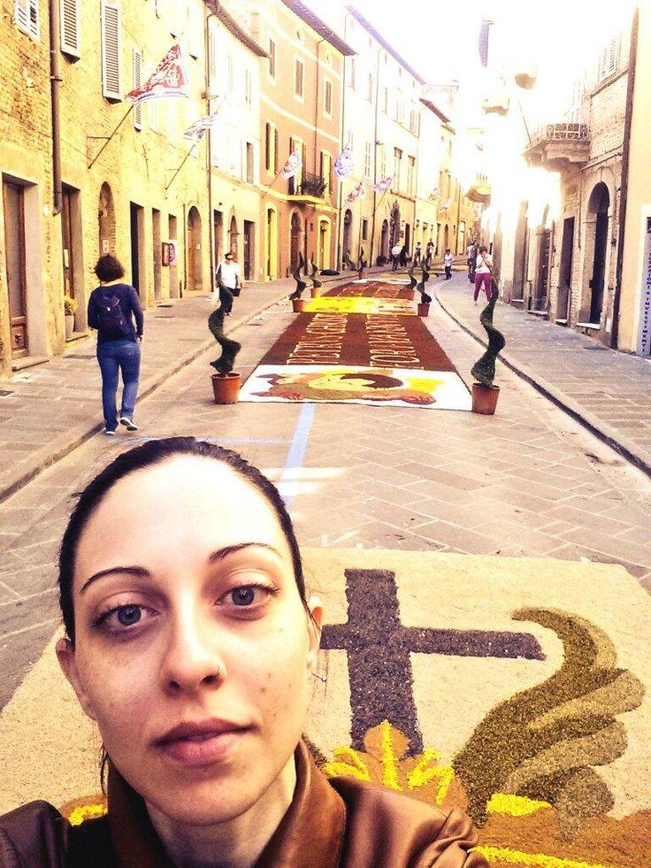 Mi sono follemente innamorata di Città della Pieve e dela tradizione dell'infiorata! #altrasimeno @karse