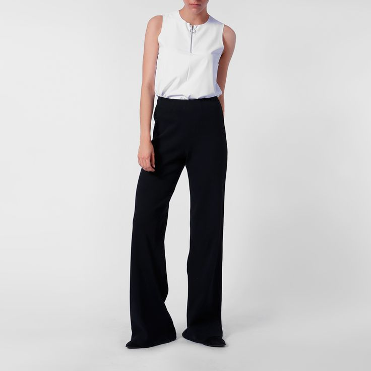 Recycled polyamide top ARROW and organic cotton pants DIA RIB by eco fashion label JAN 'N JUNE. Designed in Hamburg made in Poland.