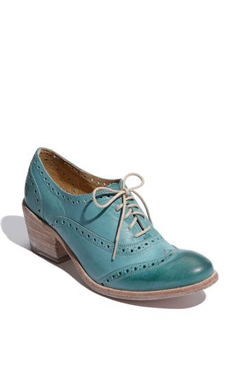 Wingtip oxford in turquoise