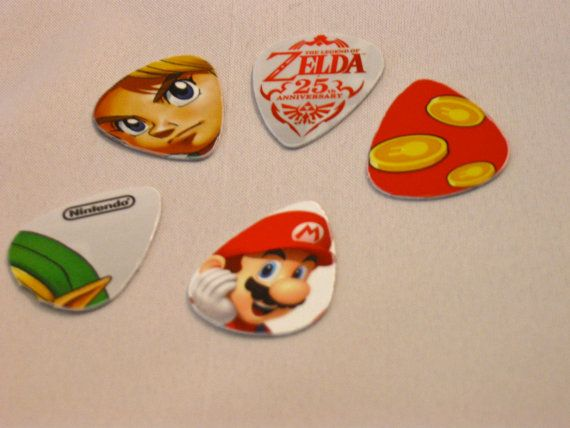 guitar picks made from old gift cardsGuitar Picks, Nintendo, Videos Games, Gift Ideas, Zelda, Gamer Holiday, Gift Cards, Video Games