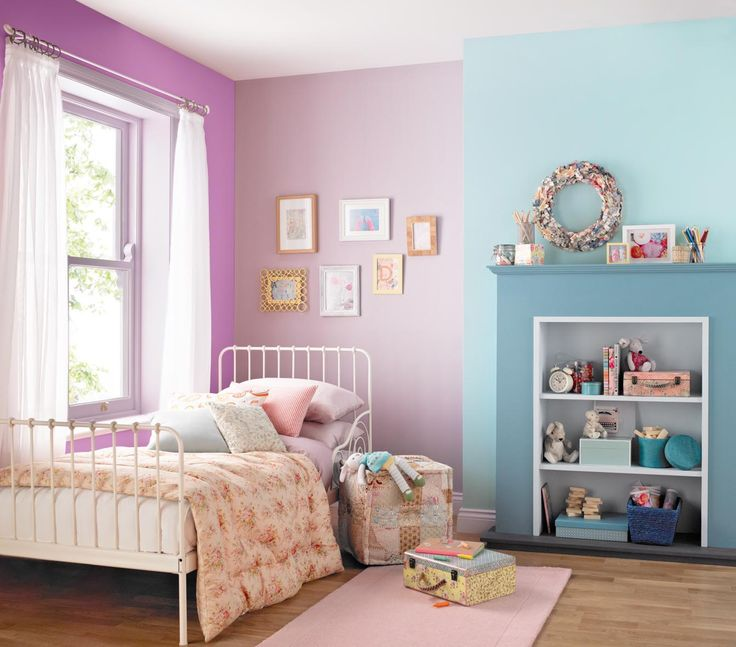 Children's bedroom painted with Crown easyclean paint in Mademoiselle and Bubble Bath