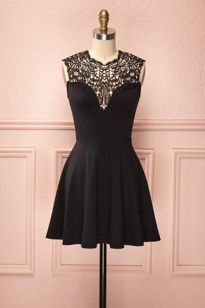 Ciara ♥ Dentelle noire, taille soulignée et jupe circulaire dirigeront tous les regards admirateurs sur vous. Que dire de plus, à part que la petite robe noire est toujours l'indispensable à avoir!