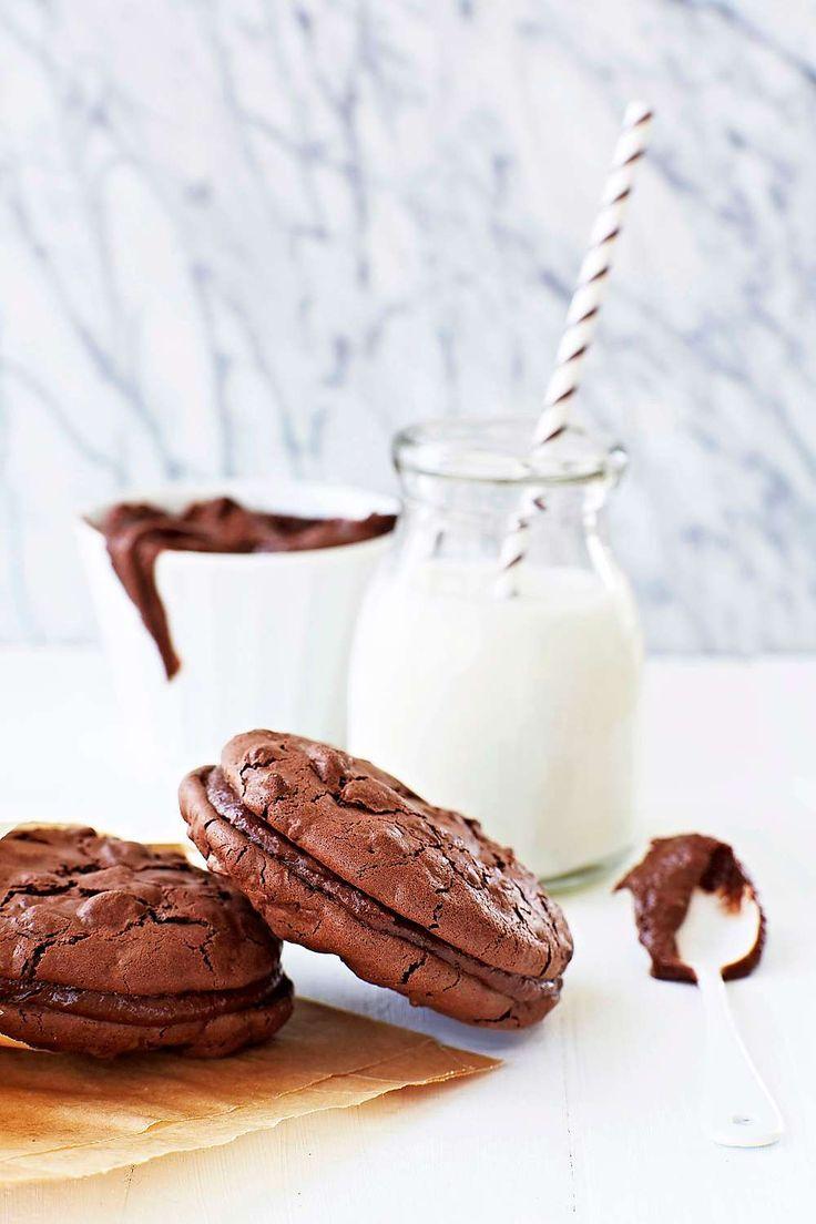 Chokladcookies med nötter Sega chokladcookies med en krämig fyllning.