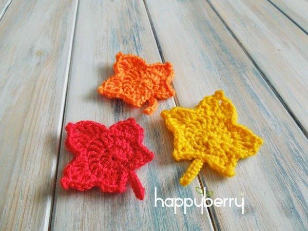 #Crochet maple leaf free pattern from Happy Berry Crochet