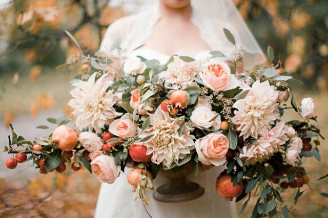 Fall wedding floral centerpiece / Anastasiya Belik Photography
