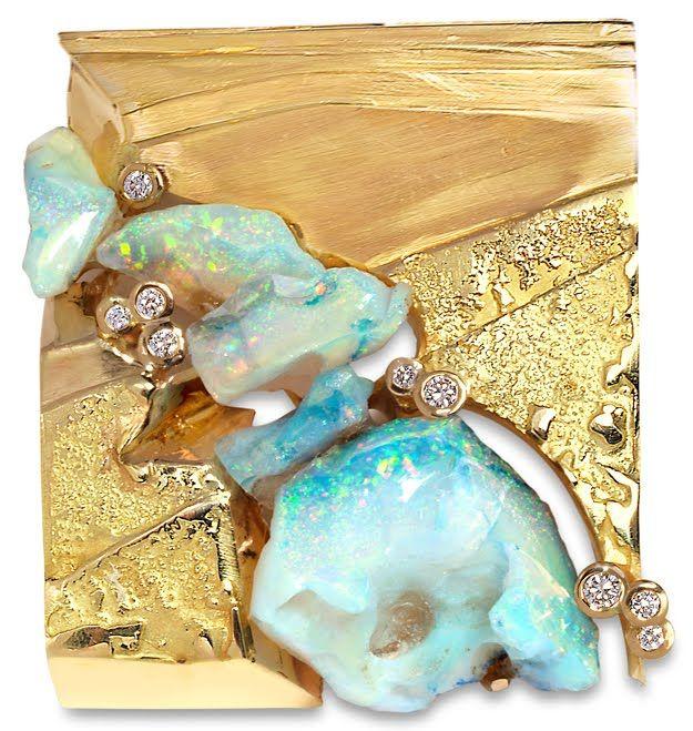 Thierry Vendome. Pendentif Douet. Diamants, opales d'Ethiopie, or brut et or poli.