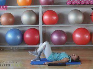 Minitrening na brzuch i nogi. 2 nietypowe ćwiczenia