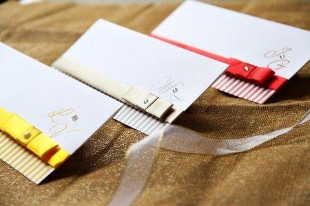 Convite de Casamento Express, Branco com Listras e Fita.