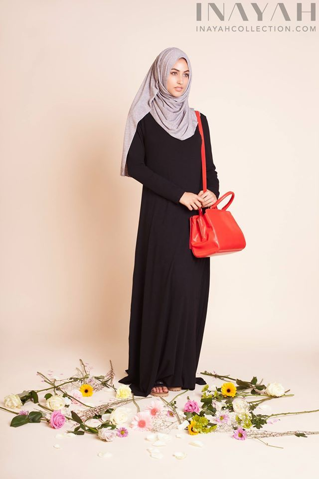 Basic Black Abaya + Grey Knitted Hijab | INAYAH www.inayahcollection.com #inayah