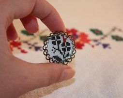 traditional romanian pattern - cabochon ring