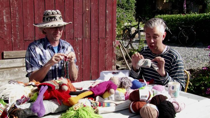 How to knit our doll - by ARNE & CARLOS
