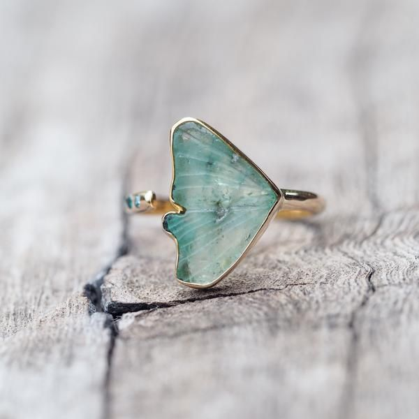 Jewelry | Jewellery | Bijoux | Gioielli | Joyas | Rings | Bracelets | Necklaces | Earrings | Art | Emerald Wing Ring