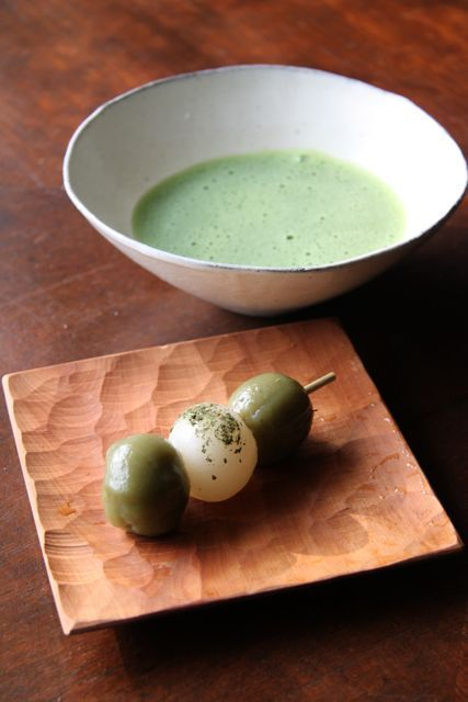 Japanese matcha tea and odango sweets