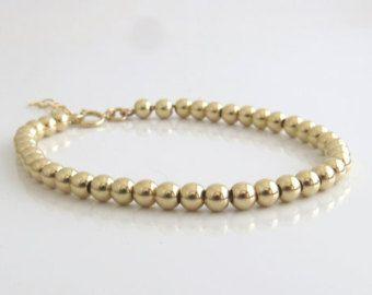 Gold-Armband, gold gefüllt, gold Perlenarmband, gold gefüllt Schmuck, Sommer-Schmuck, minimale Armband, Perlenarmband, zierliche Armband