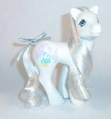 G1 Pony Bride Google-haku, Suht huonokuntoinen; harjaa ja häntää leikattu, kuluneet tinselit, häntäruostetta