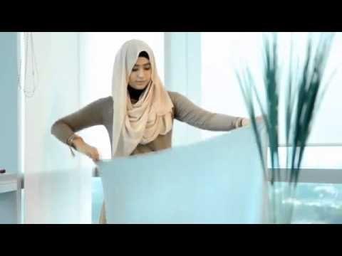 Video Cara Memakai Jilbab Rabbani  Sekarang ini sudah banyak di jual model-model jilbab yang cantik dan modis, bahkan untuk model jilbab ter...