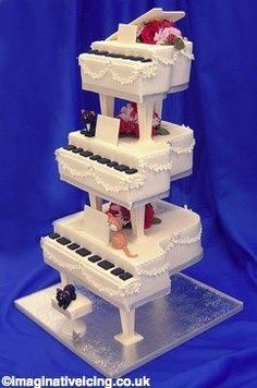 Piano #wedding cake! Liberace or Elton?