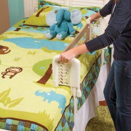 El barandal es un elemento esencial para hacer la transición de su hijo de una cuna a una cama Diseño único permite la instalación rápida y fácil Acomoda a cama