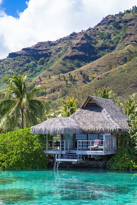 InterContinental Moorea (French Polynesia) http://travel.bart.la/2012/12/24/intercontinental-moorea-resort-and-spa/