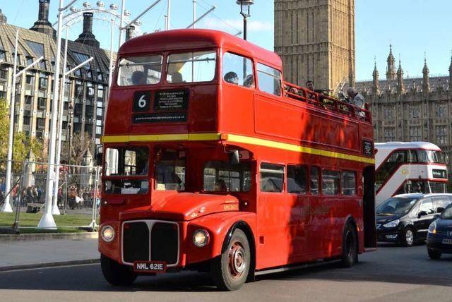 Vintage Open Top London Bus Tour & Thames River Cruise