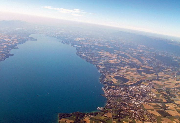 Panorama sur le Petit-Lac, Genève et son célèbre jet d'eau. Pascal Kober