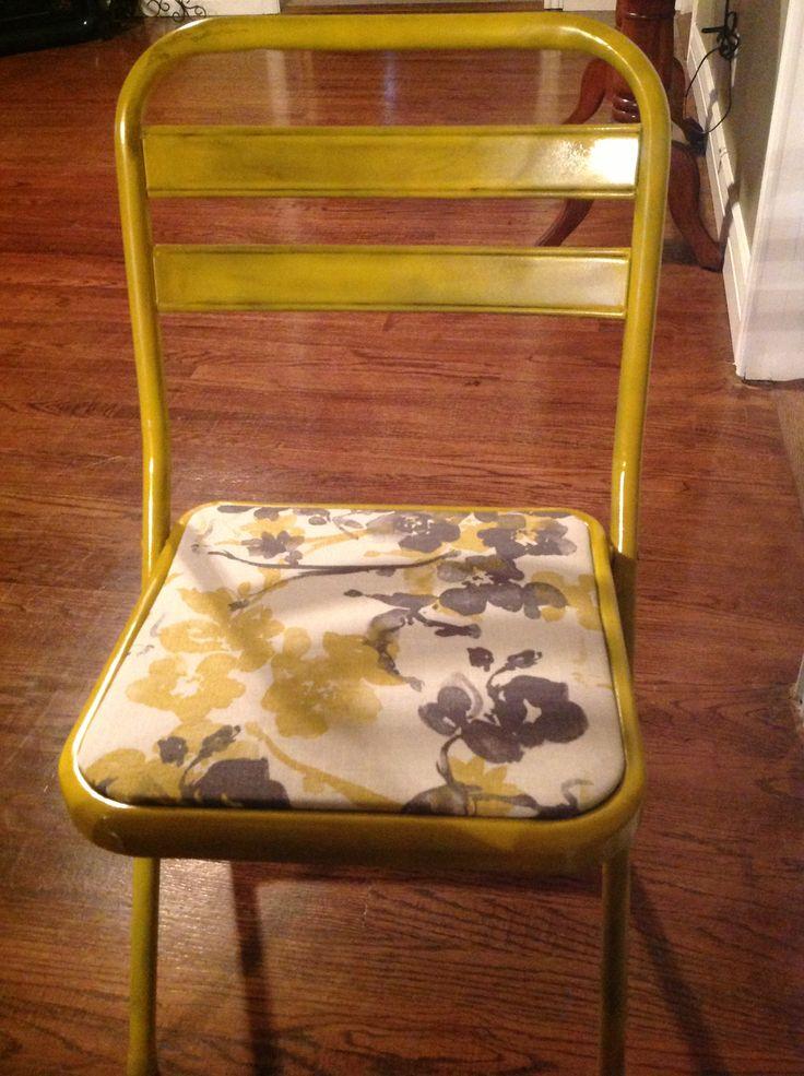 Turned My Old Ugly Folding Chair Into A Super Cute Old Folding Chair.