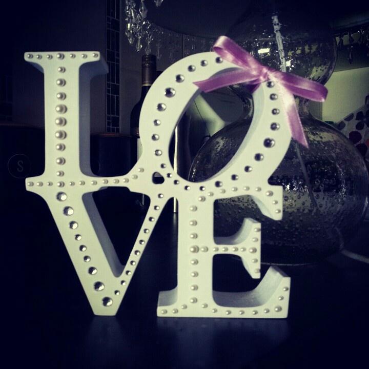 Love bling figurine. Pearls. Diamante.