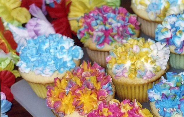 Hawaii cupcakes 1 by curlygirl7777, via Flickr