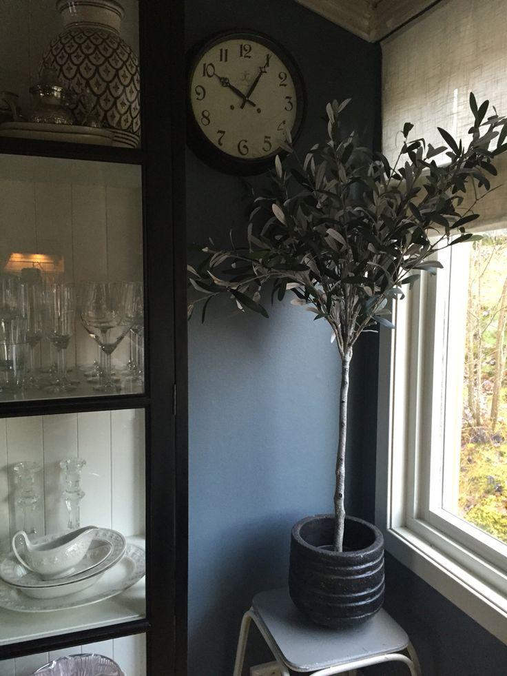 My New livingroom Color ! St Paul blue ❤️