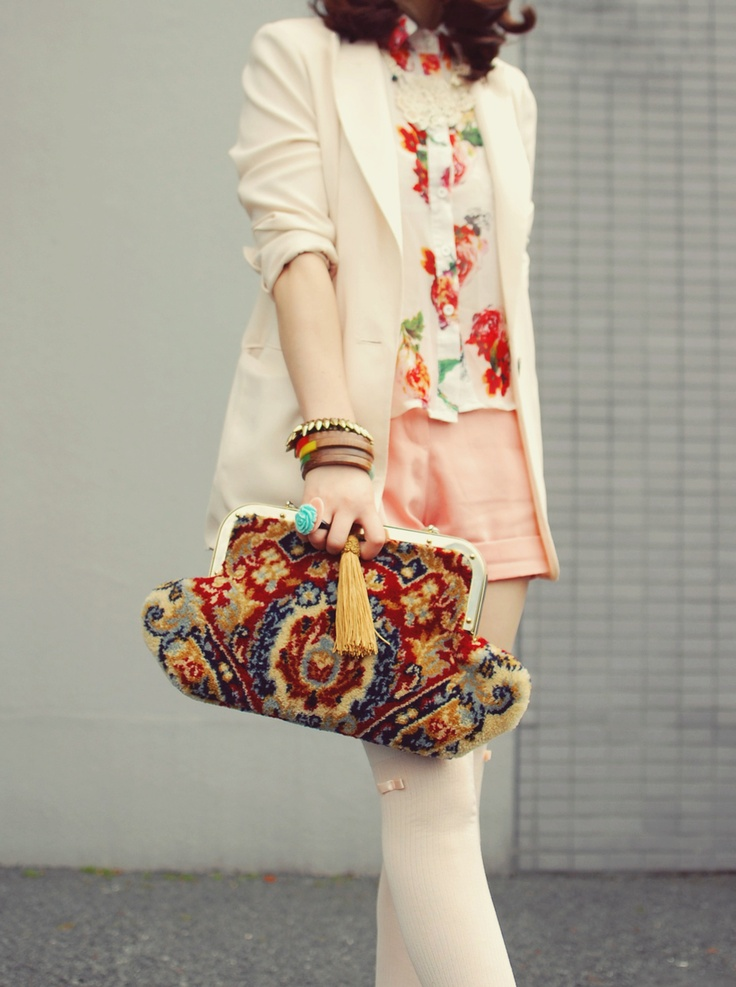 Love... want!!! actually love the whole outfit!!.........Vintage carpet bag. Brilliant pattern. Accessorize with care, or be overwhelmed.