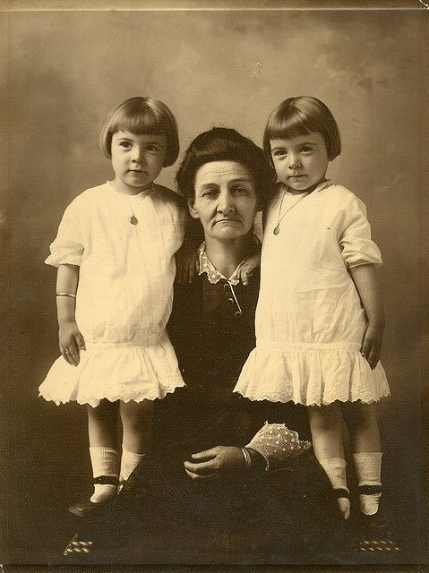 Vintage Twins and their grandmother / twin girls.