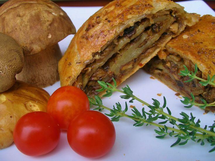 V kuchyni vždy otevřeno ...: Houbový závin se slaninou a sušenými rajčaty