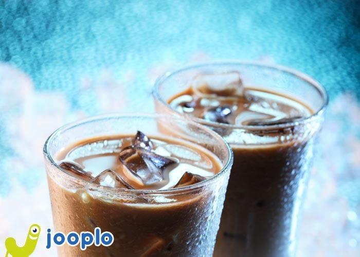 Caldo, caldo, caldo...oggi ti affronto con un bicchiere di caffè shakerato all'amaretto... ghiacciato!    #caffè #bevande #estate #drink #cocktail