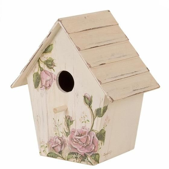 .Sweet little birdhouse