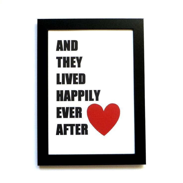 And they lived happily ever after. Det er da en rigtig sød, unik og anderledes gave til brudeparret. Unik fordi det ikke er set andre steder. Og fordi vi er eneste forhandler i hele Europa af de smukke og unikke ting fra Linnea Swedish Design. Køb det i shoppen. Romantiske-Gaver.dk