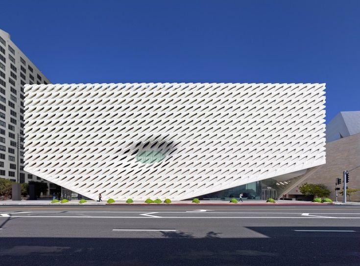 """Compreendendo """"The Broad"""": Um marco na revitalização do centro de Los Angeles"""