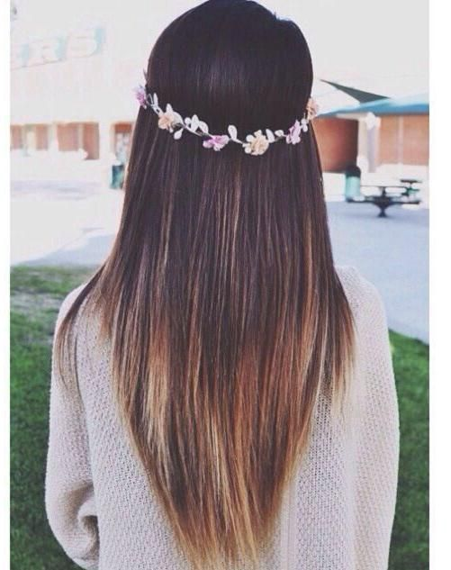Straight V-shape hair, faded brown to blonde ombre dip and a flower crown made of roses.