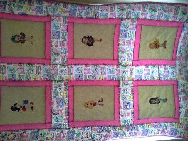 Fun tweens to teens single bed quilt , its bright, its fun  and its walm to cuddle up under . $150.00 including p+h within australia